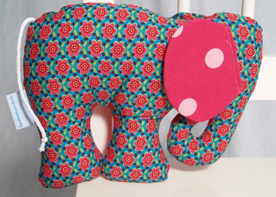 Elefant Kuscheltier / Knistertier | DIY LOVE