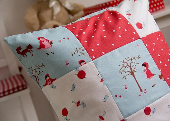 patchwork kissen diy love. Black Bedroom Furniture Sets. Home Design Ideas