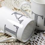 Handbemalte Tassen mit Kreuzstich