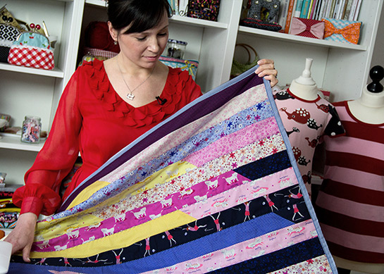 patchworkdecke aus einer jelly roll diy love. Black Bedroom Furniture Sets. Home Design Ideas