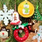Weihnachtliche Filzanhänger