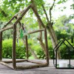 Windspiel aus Holz und Glas