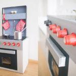 DIY-Spielküche aus Kartons
